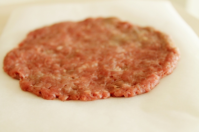 hamburger mäso